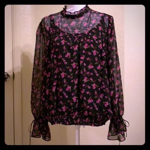 Express Mock Neck Ruffle Floral Blouse 💕